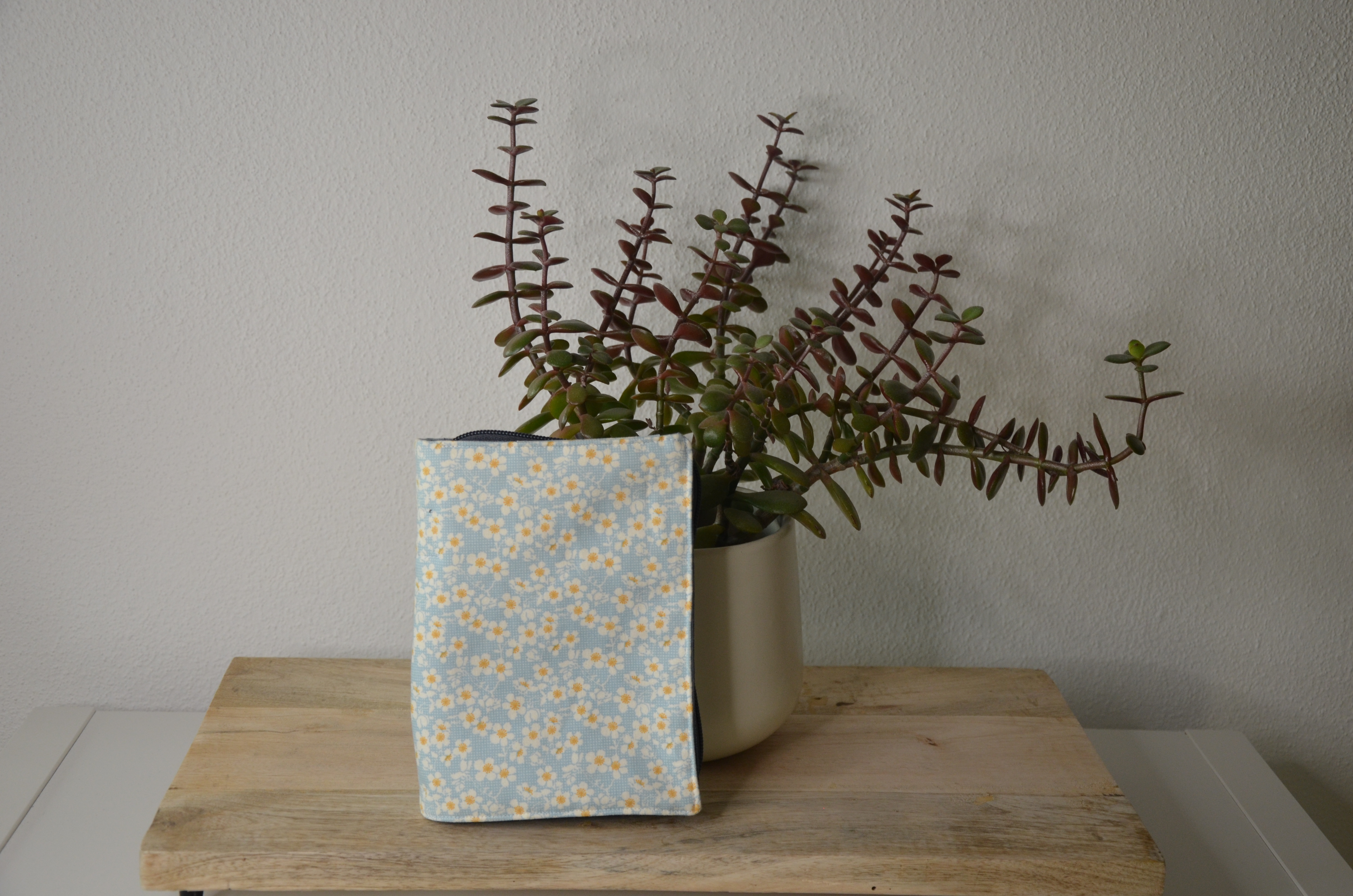 Gotteslobhülle aus Stoff - Blumen hellblau